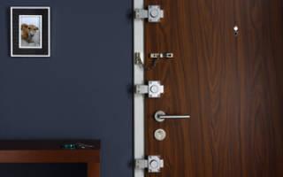 Как выбирать и устанавливать накладные замки для деревянных дверей?