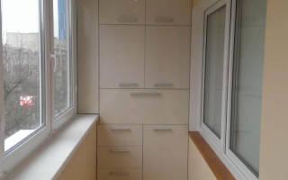 Встраиваемый шкаф на балкон