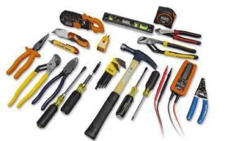 Все о наборах инструментов для электрика