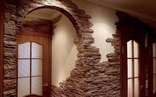 Отделка декоративным камнем дверных проемов