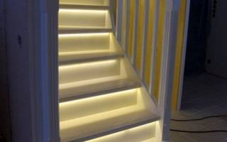 Как подсветить лестницу в доме